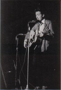 440px-Bob_Dylan_in_November_1963-2